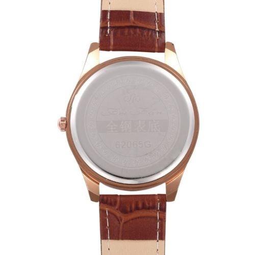 relógio quartz luxuoso com numeral romanos estilo suiço
