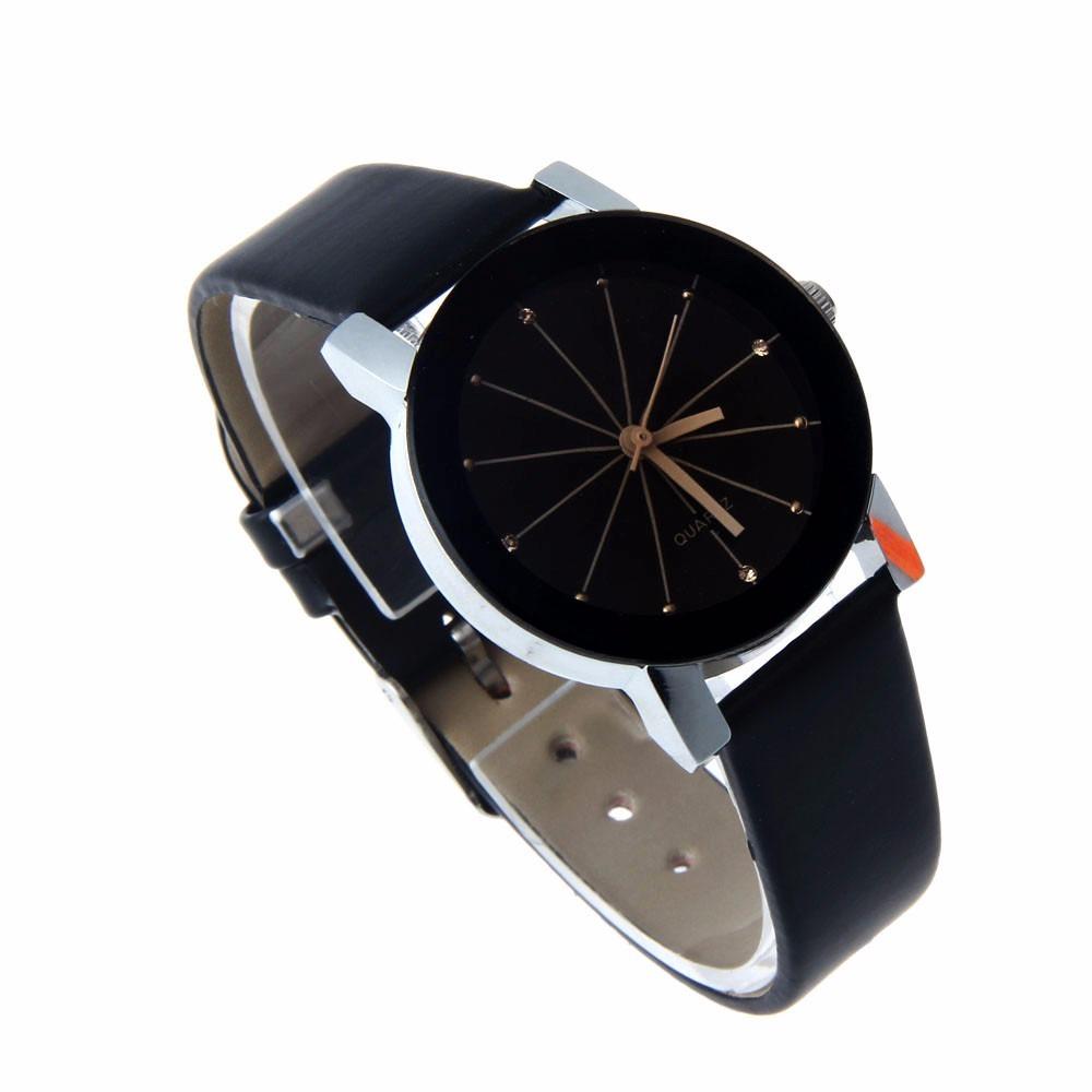 f7f32afb8cd relógio quartz preto feminino pulseira de couro pu. preta. Carregando zoom.