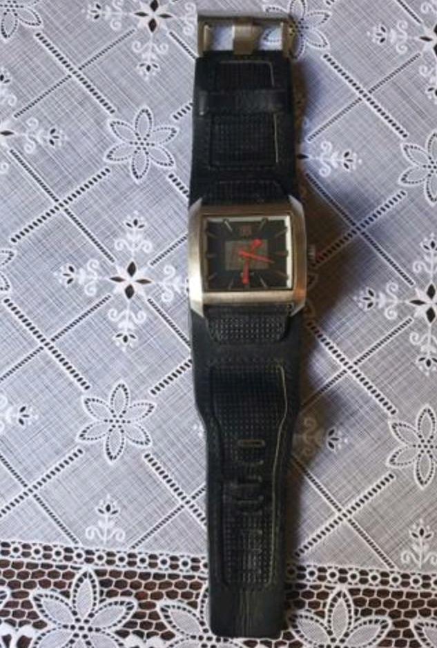 deb7a276d7251 Relógio Quiksilver Sequence - R  150,00 em Mercado Livre