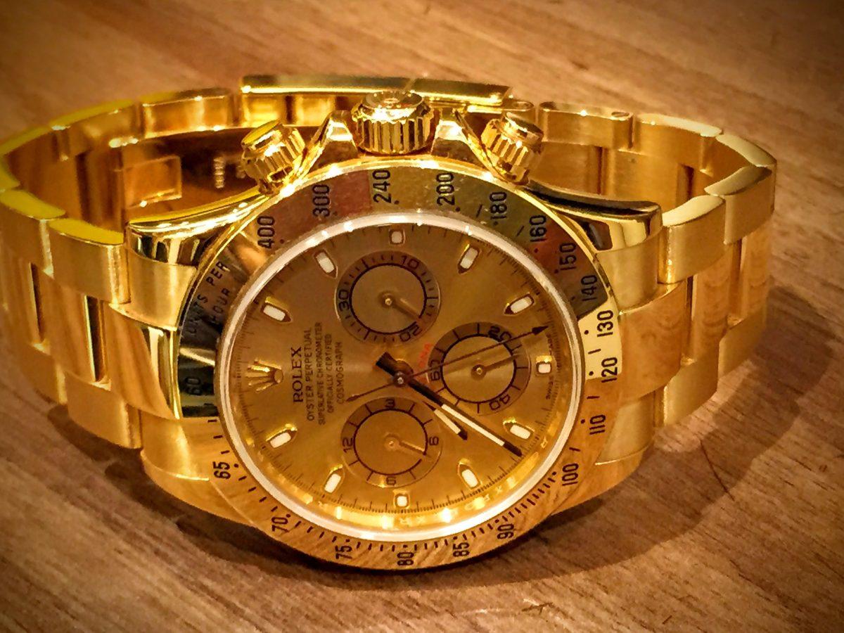74e43248ed3 Relógio Rolex Daytona Todo Em Ouro - R  107.000