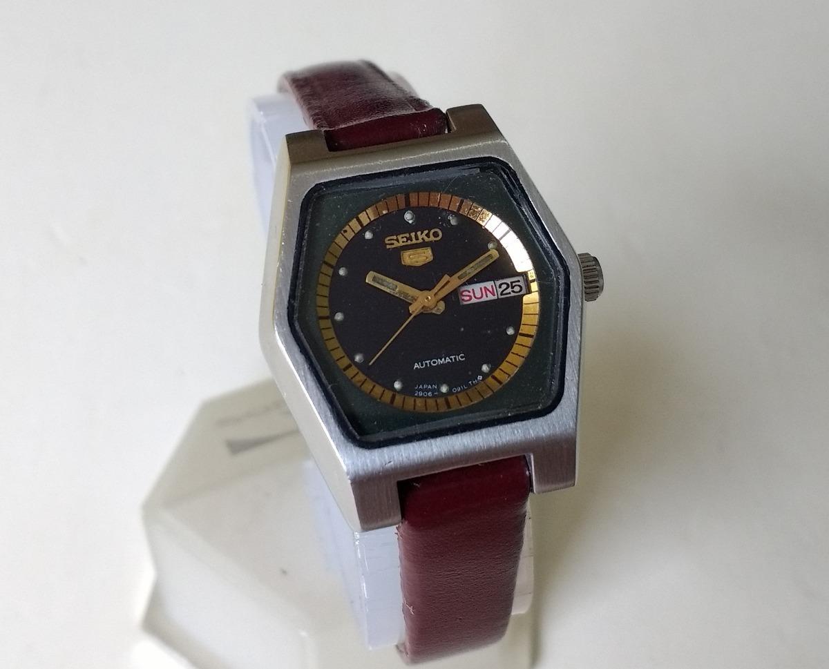c85d2bbf974 relógio seiko feminino automático japonês antigo preto lindo. Carregando  zoom.