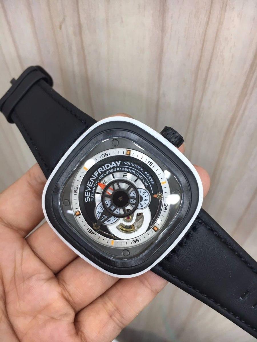4db67d58c7c Relógio Sevenfriday M2 Automatic Branco E Preto Couro - R  900