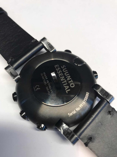 relógio suunto essential