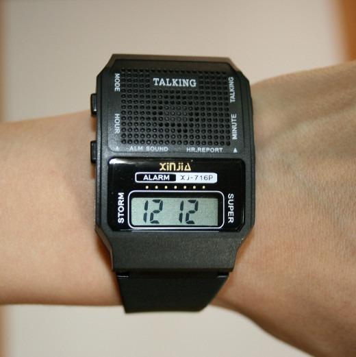 e8fdabaf7bb Relógio Talking Fala Horas Em Português Para Cegos - R  22
