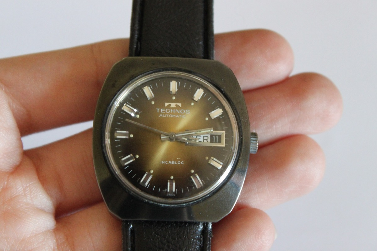e2803c86a7c Relógio Technos Automatic Swiss Made - R  220