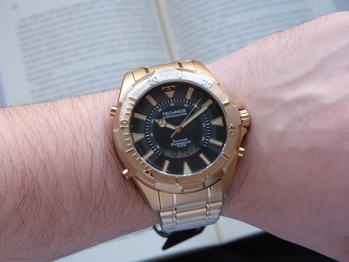 d156e58687386 relógio technos skydiver dourado t205fl 4p grande 30 anos. Carregando zoom.