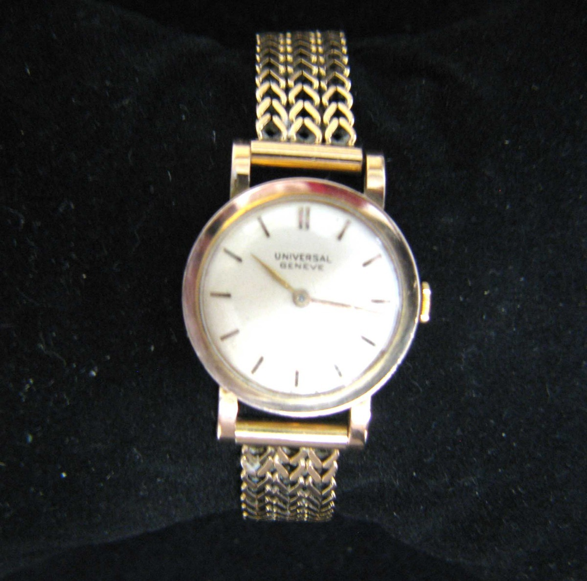 318b5c3e829 relógio universal geneve polerouter - feminino - ouro 18k. Carregando zoom.