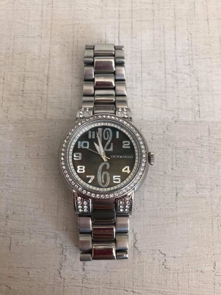 3744597d7c5 relógio victor hugo prata com swarovski original + frete!! Carregando zoom.