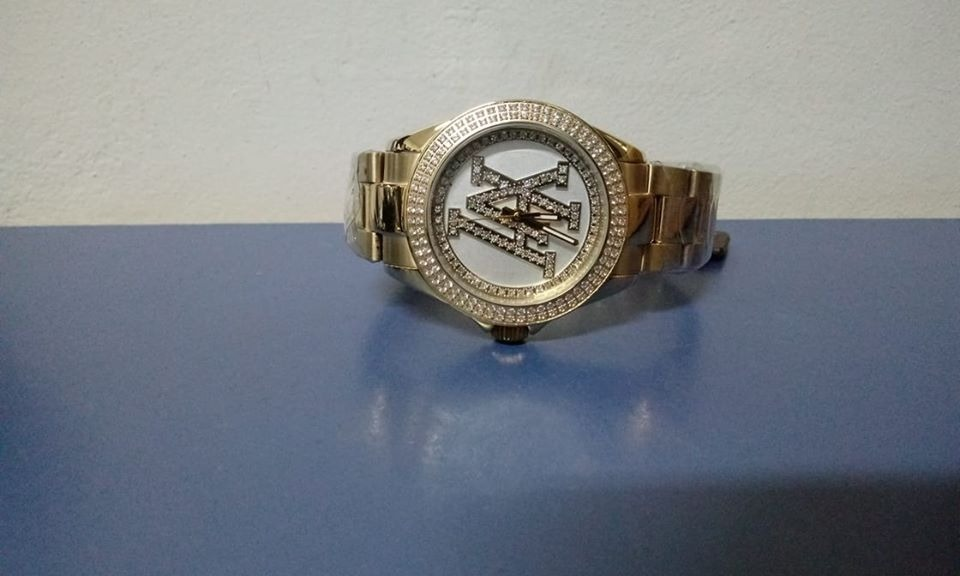 bb574d12ca8 relógio victor hugo vh10134lsg 01m. Carregando zoom.