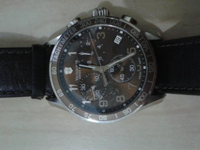 b12b2d3cfae Relógio Victorinox Swiss Army Classic - R  1.150