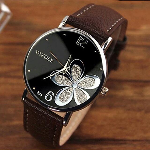 f635e4825c3 Relógio Yazole Feminino Importado - R  23