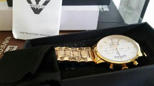 relógios nibosi fundo branco