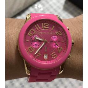 a9231ef09b6e8 Relógio Feminino Réplica Michael Kors Pulseira Emborrachada ...