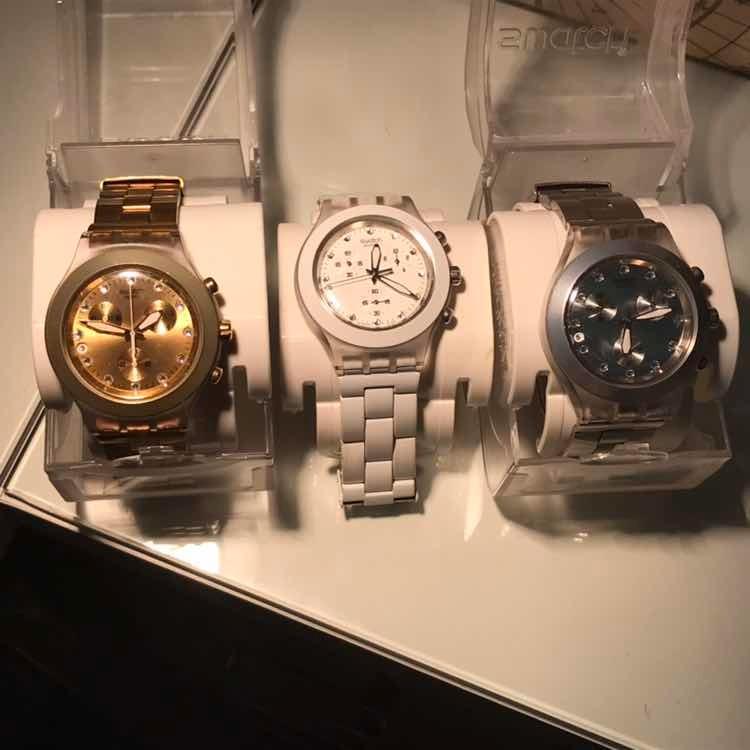 c86d02c4939 Relógios Swatch Full Blooded Dourado