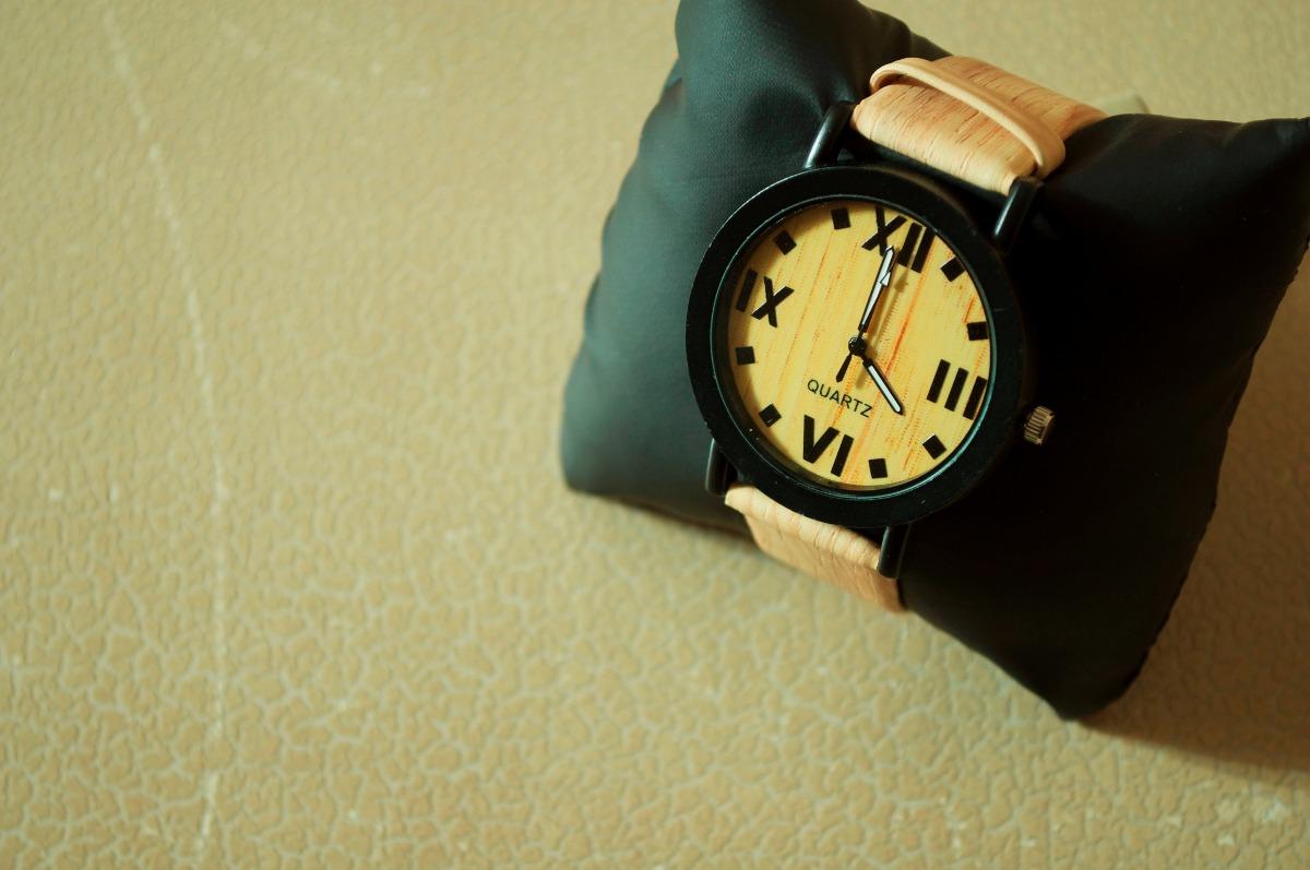 Reloj Bambú Claro Phombre 4 Números Romanos 12900 En Mercado