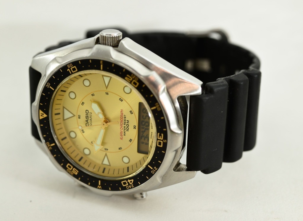 d0bf3a9af0c6 reloj casio amw 320r 9e alarm chronograph gold dial japan. Cargando zoom.