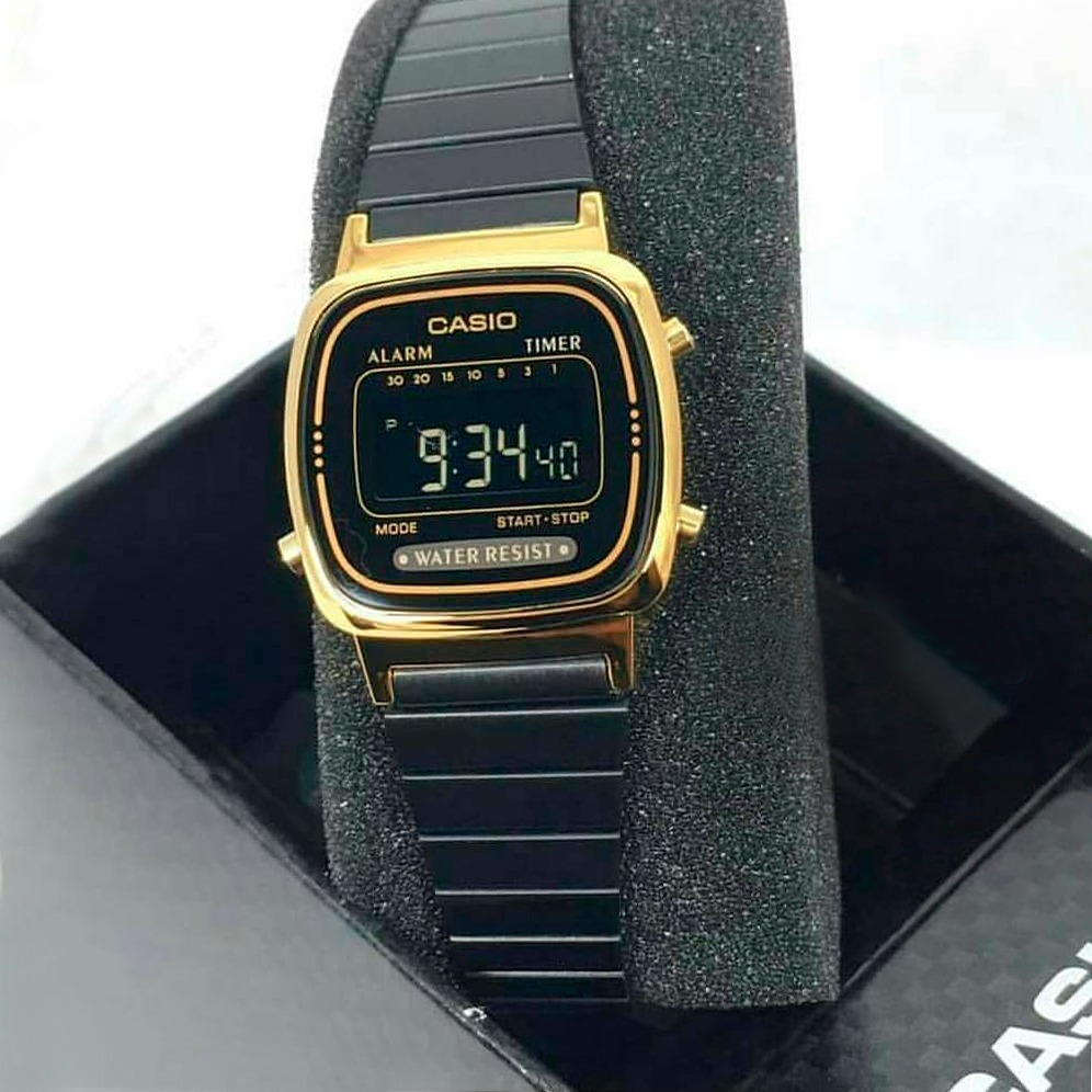 5e087ddeb203 reloj casio la-670wegb vintage retro black gold ladies. Cargando zoom.