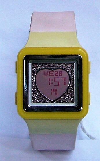 2b50f4f7faec Reloj Casio Poptone Mujer Dama Ldf21 4avdr Forma De Corazon -   988 ...