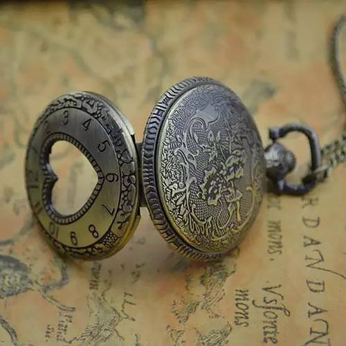 reloj collar de corazón hueco para colección o regalo