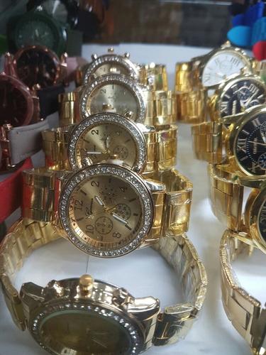 reloj dama  de piedra de gomas varios  mayor