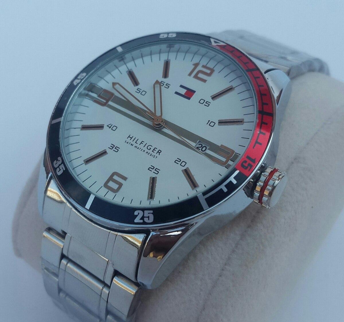c1b7d9e55f85 reloj de acero con calendario tommy hilfiger. Cargando zoom.