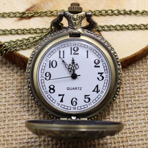 reloj de bolsillo con grabado de cobra exelente