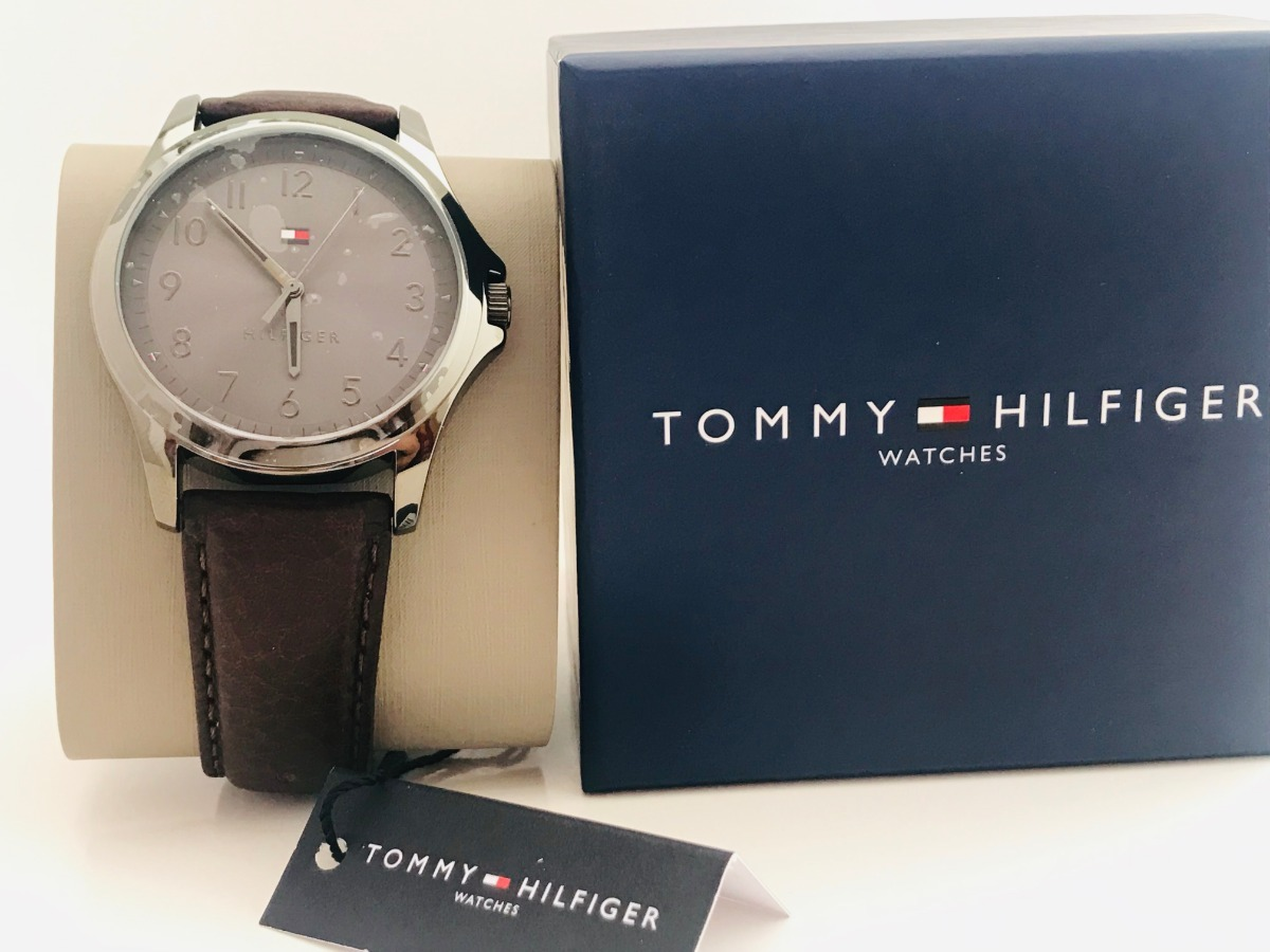 68f64af0c59a reloj de caballero marca tommy hilfiger nuevo original. Cargando zoom.