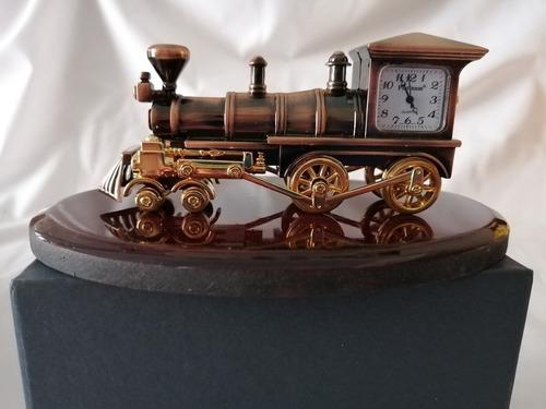 reloj de locomotora antigua