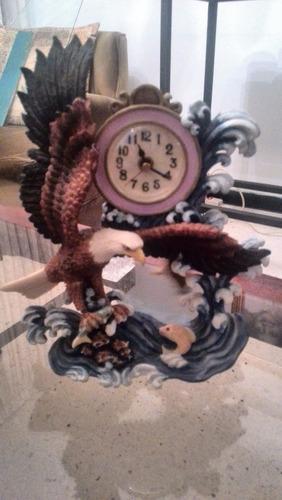 reloj de mesa aguila con pendulo de aguila pichon
