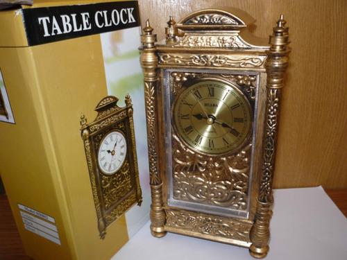 reloj de mesa especial para el comedor