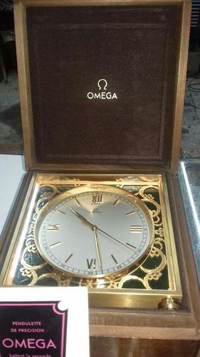 reloj de mesa omega antiguo con finos acabados
