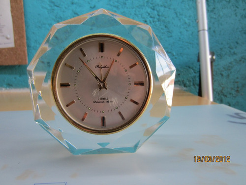 reloj de mesa para reparar