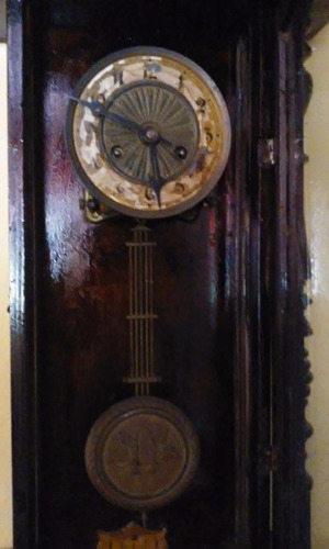 reloj de pared antiguo de pendulo sonido gon