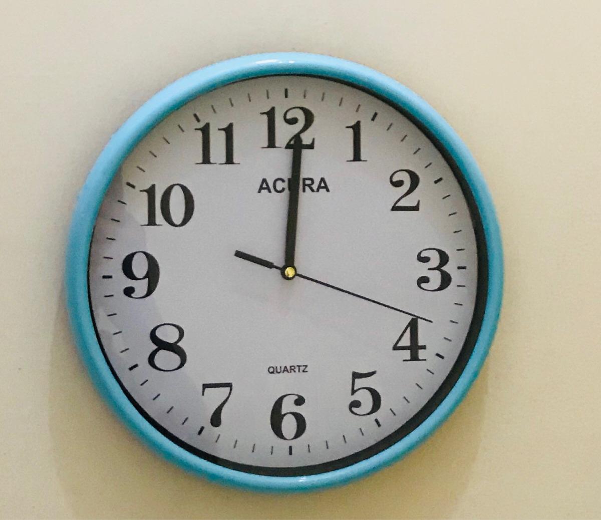 Reloj De Pared Marco Azul Menta - $ 200.00 en Mercado Libre