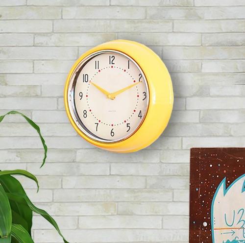reloj de pared retro amarillo laroux &co 24cm