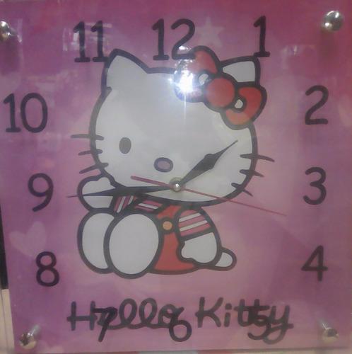 reloj de pared soy luna,barcelona,real madrid,mickey,kitty