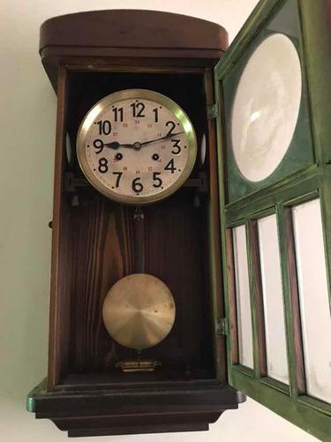 reloj de pendulo antiguo