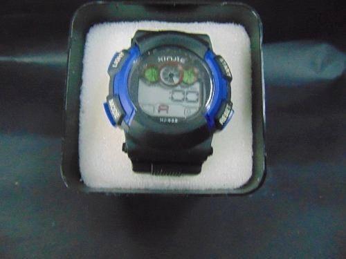 reloj deportivo para hombre color negro con azul resistente