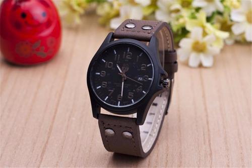 reloj  deportivo para hombre con fecha  oferta!!