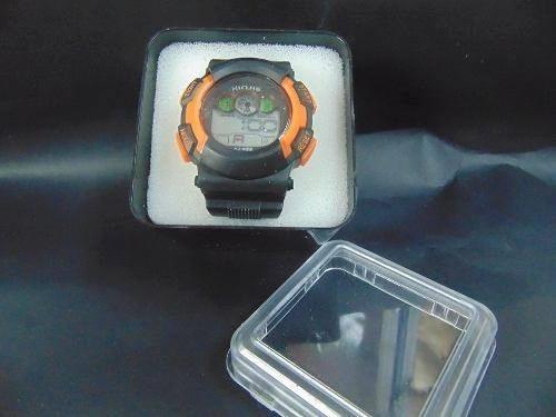 reloj deportivo para hombre negro con naranja resistente