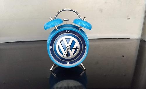 reloj despertador emblema vw