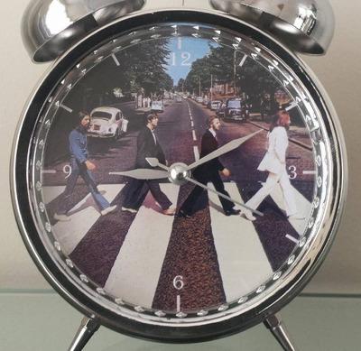 reloj despertador estilo vintage the beatles lindo regalo