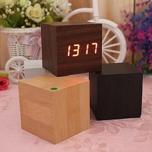 reloj despertador led de madera cubo con temperatura