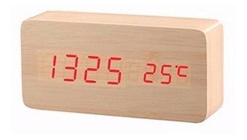 reloj despertador moderno en madera de bambu