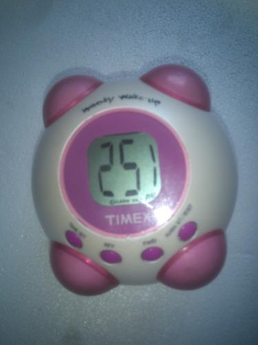 reloj despertador timex wacky wake-up vibra y habla ingles