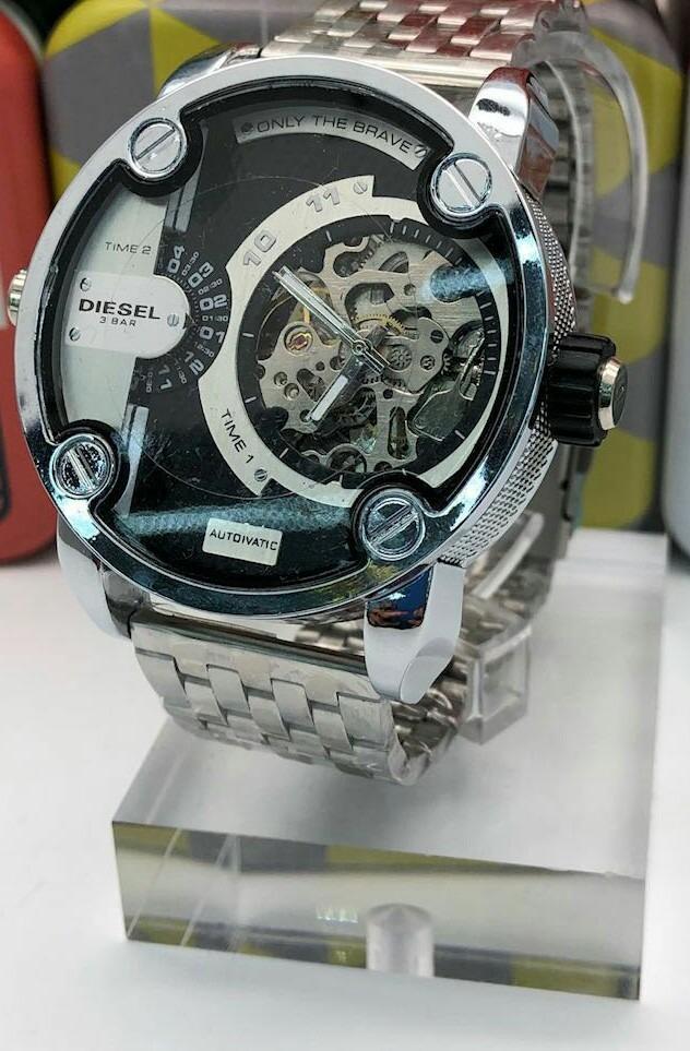 013a38360660 Reloj Diesel Dz Dorado Automatico Only The Brave Precio -   110.000 ...