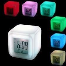 reloj digital cubo luminoso led hogar oficina alarma