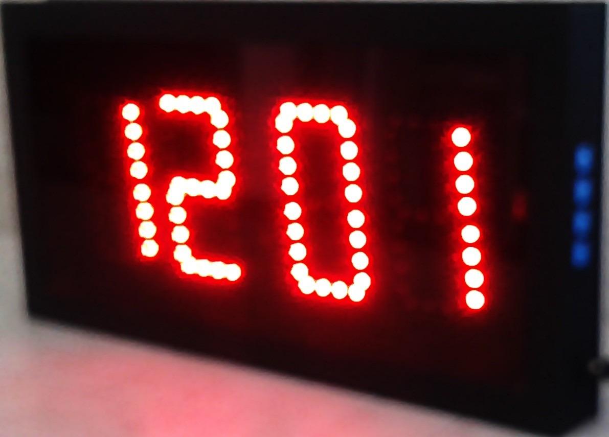 Reloj Digital De Pared De Leds Cron 243 Metro Turnador Fecha