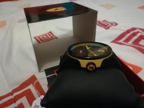reloj ferrari, modelo sf-830224 negro con vivos amarillos