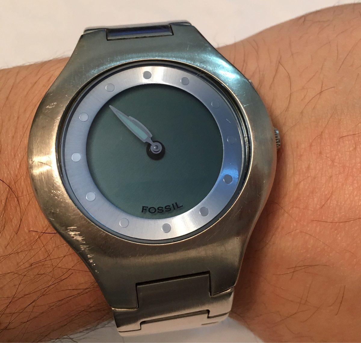 bajo precio 93f47 909bc Reloj Fossil Big Tic De Acero Con Pantalla Azul Y Digital - $ 450,00